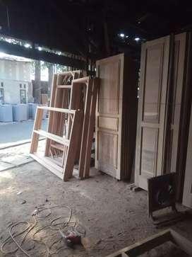 Furnitur kusen pintu kayu