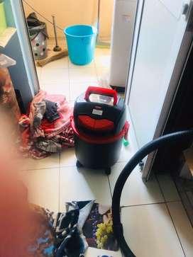Wet n dry vaccum cleaner
