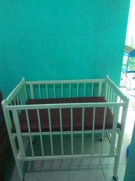 Dijual tempat tidur bayi masih bagus dan kokoh