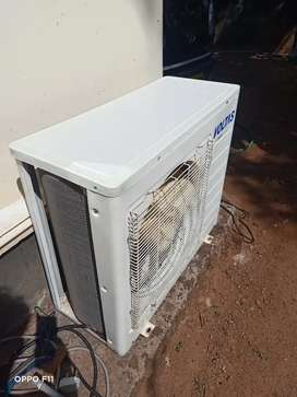 Good working condition less use 2 ton ac