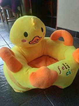 Mainan untuk duduk bayi