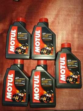 Motul 10W 50 Bike Engine Oil (100% Synthetic) Quantity 1.5 Litres