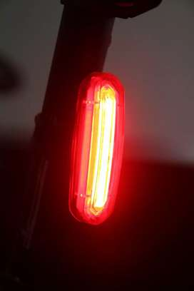 Lampu Led Sepeda Usb Charger Nyala Merah dan Putih