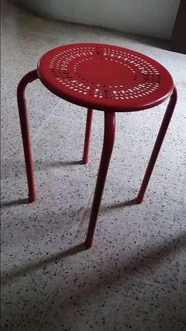 Jual kursi bahan besi