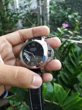 Jam tangan Panerai luminor