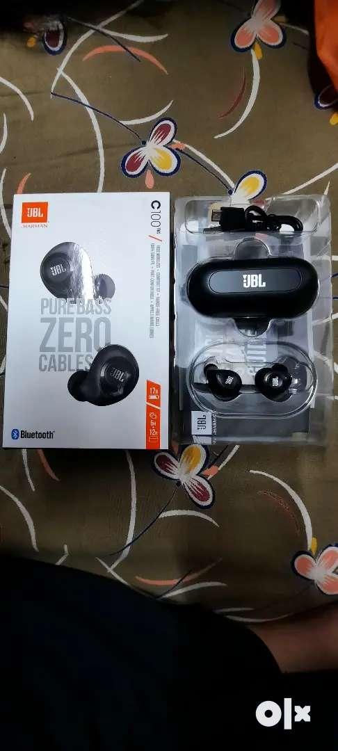 JBL TWS C100 bluetooth earbuds Brand New condition