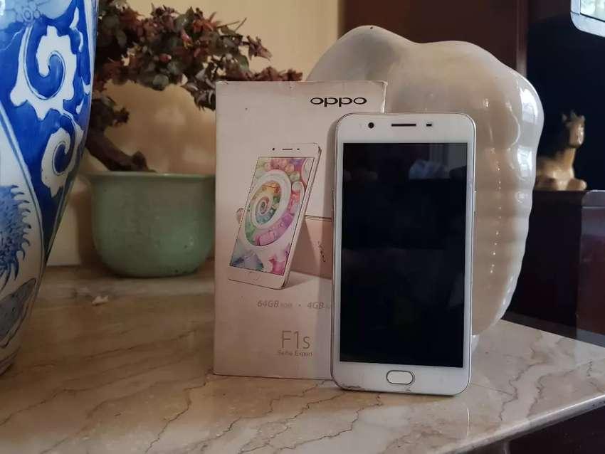 Sedia Oppo F1s Plus 4/64 GB Gold 0