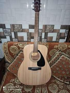 Yamaha f310 acoustic guitar. (Brand new)