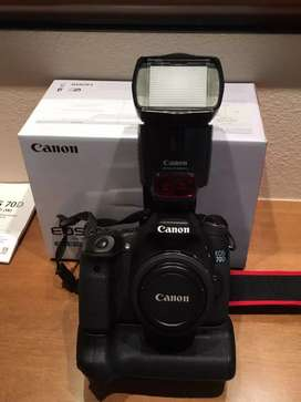 Canon 70D camera Tula Tu battery complaint box