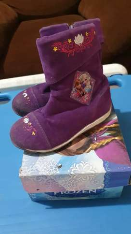 Sepatu Boot Frozen