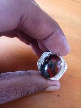 Cincin akik badar perak merah
