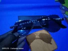 Kacamata raybon