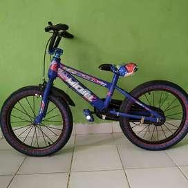Sepeda anak anak ukuran 18 untuk umur 3-7 tahun