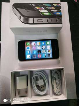 Iphone 4s 16gb immaculate