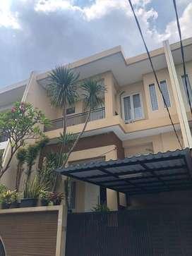 Rumah Cantik 3 LT FULL FURNISHED Area Pinang, Pondok Indah, Jakarta