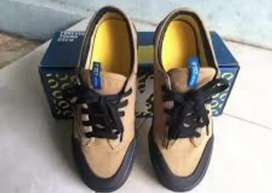 Sepatu fyc (forever young club) unisex