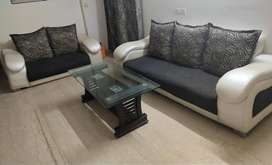 Sofa set 5 seater with table