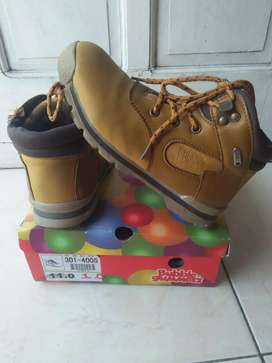 "Kids shoes ""bubble gummers"" size 0.1"