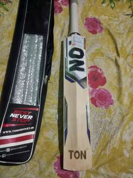 Cricket Bat (TON) unused