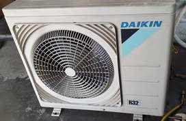 AC Daikin 1 PK R32 harga plus pasang Grs 6 bulan dingin istimewa