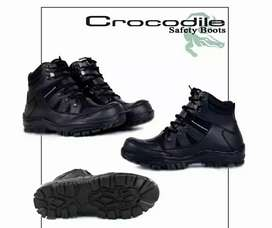 Ready sepatu safety pria crocodile boots ada besi diujung depan