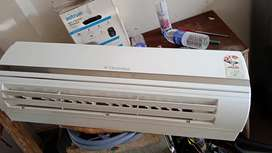 Used split air-condition in good condition
