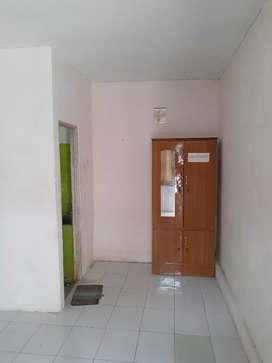 Kost kamar mandi dalam daerah Menganti