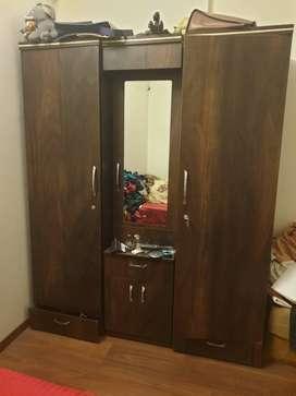 3 door wardrobe in perfect condition
