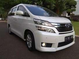 Toyota vellfire v premium sound at 2.4 2013 putih