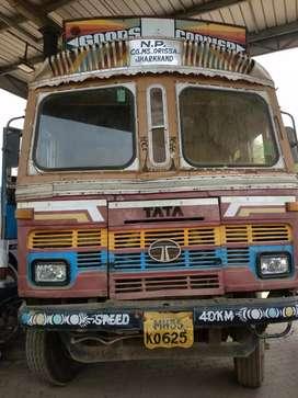 2515 truck (10 chakka)