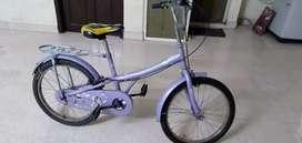 Children cycle