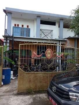 Dijual segera rumah semi permanen dua lsntai