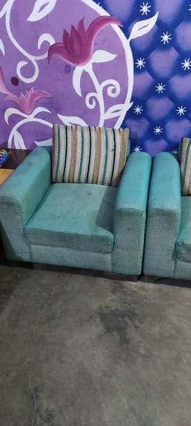 Sofa veri good condition 5 sitter