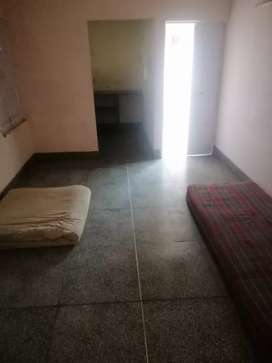 2 BHK House Rent in Shastri Nagar