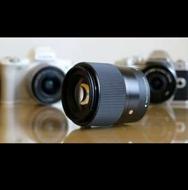 Sony 30mm 1.4,  E Mount for Sony Crop Sensor