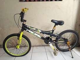 Sepeda merek pacific