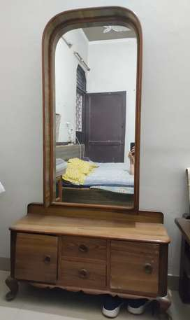Dressing table at discount