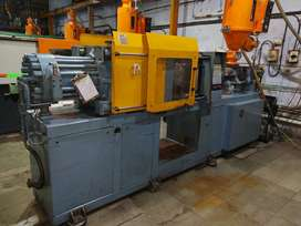 Prikan 100 ton Injection Molding Machine - Running Demo Available