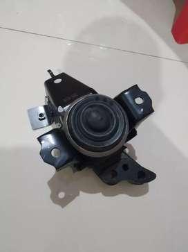 Engine Mounting Karet Mesin Kanan Agya Ayla Manual