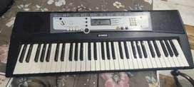 Yamaha PSR - E213 Piano