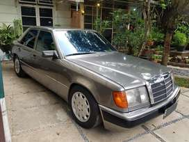 Mercy Boxer Mercedes W124 300E M/T 1992/1993 Anthracite Grey on Grey