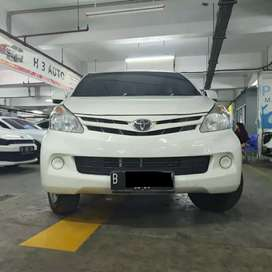 Toyota avanza E 2013 at putih tdp 17jta