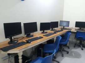 Office for Call Center with tablets and computer (25 computers)