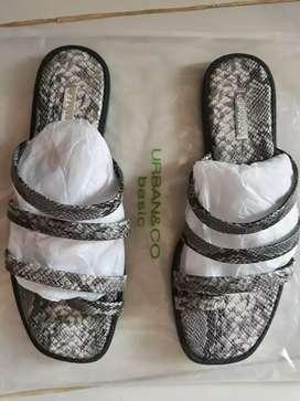 Sandal Urban & Co