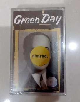 kaset original masih segel green day ' nimrod'