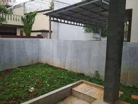 Rumah Baru 2 lantai dikontrakan di Cipete dekat kemang