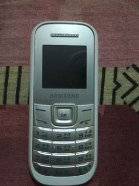 Samsung phone 1200 white 2 days old only
