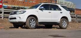 Toyota Fortuner 2010 Diesel 170000 Km Driven