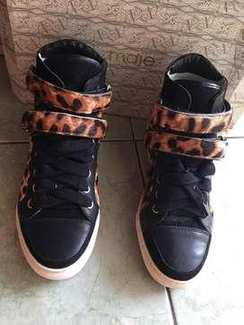 Sepatu High Sneakers Size 37