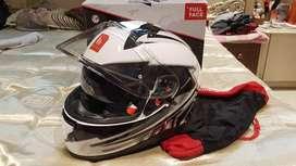Brand New MT Thunder3 helmet in white